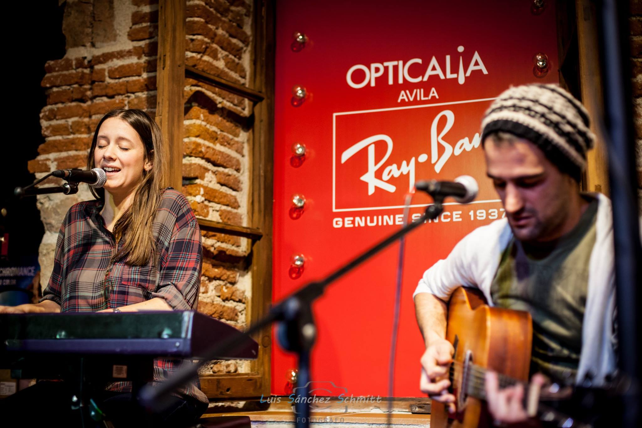 Evento: Acústico Morgan en Opticalia Ávila